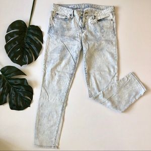 Gap skinny acid wash ankle jeans 30